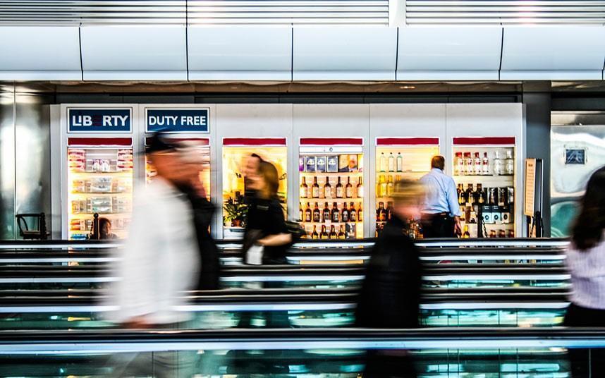 حقیقت در مورد وظیفه فرودگاه مجانی و چرا چیزی که به نظر می رسه نیست