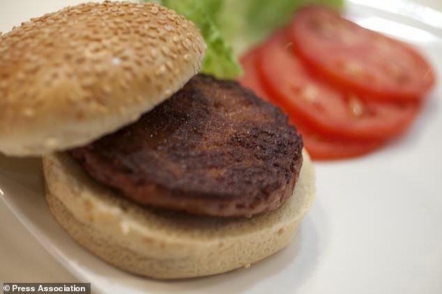 افزایش خطر سرطان پستان با مصرف هات داگ و همبرگر