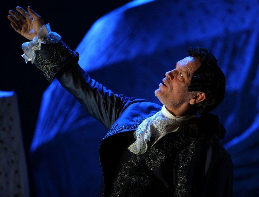 اجرای نمایش جدید دیوید ممت با بازی جان مالکوویچ