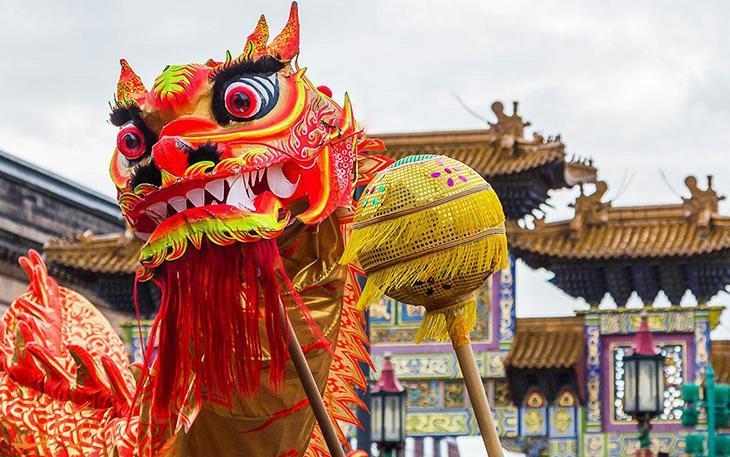تلفیقی با شکوه از نور و رنگ و پایکوبی در جشن سال نو چینی ها