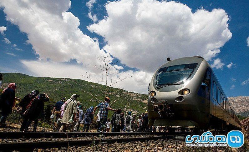 قطار گردشگری روی ریل همدان