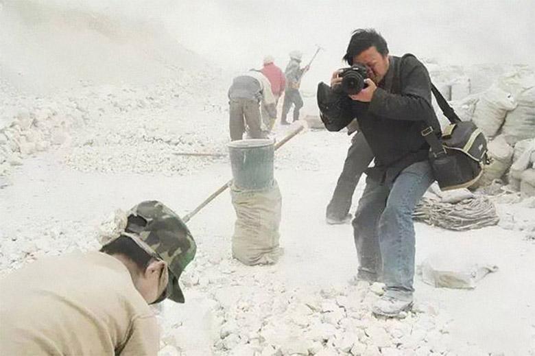 عکاس چینی برنده جوایز بین المللی ناپدید شده است؛ عکس هایی از او که کوشش می گردد دیده نشوند