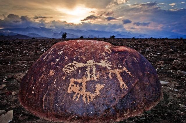 مردم حافظان اصلی سنگ نگاره های بستک، محوطه سنگ نگاره ها ثبت ملی می شود