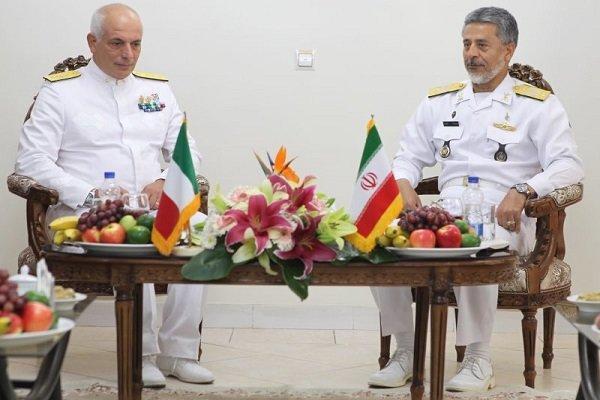 هیئت نظامی ایتالیا با دریادار سیاری دیدار کردند
