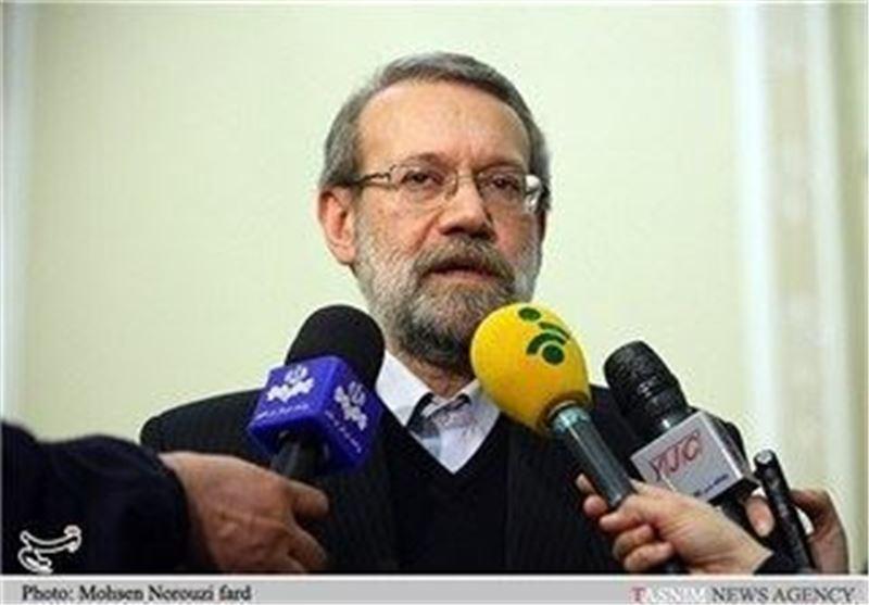اظهار امیدواری لاریجانی برای توسعه همکاری های مالی ایران و هند
