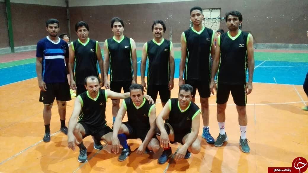 تیم والیبال شهید حیدری قهرمان مسابقات والیبال قلعه گنج