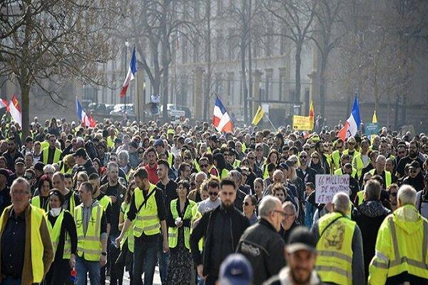آغاز تجمع جلیقه زردها همزمان با درخواست فیلیپ از اعتصاب کنندگان