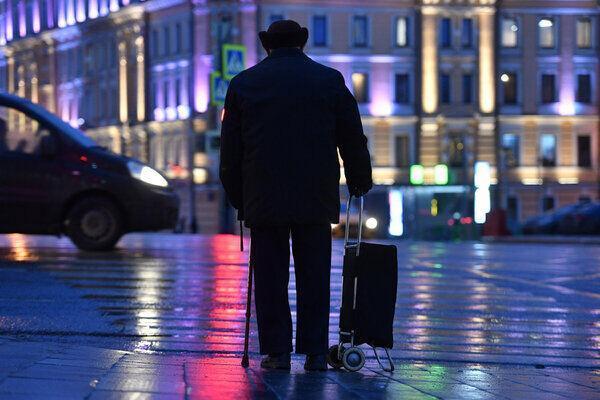 خروج افراد بالای 65 سال ازخانه در مسکو قدغن شد