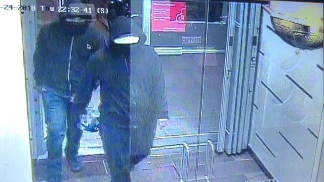 انتشار تصاویر مظنونان انفجار بمب در داخل رستورانی در کانادا