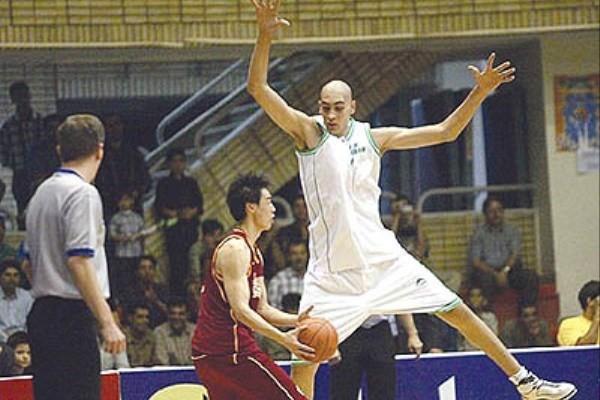 غول بسکتبال ایران برای همواره به کانادا می رود
