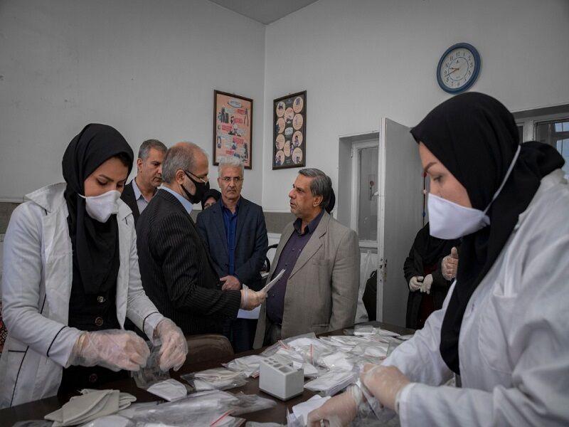 خبرنگاران روزانه 8 هزار ماسک در چهارمحال و بختیاری فراوری می گردد