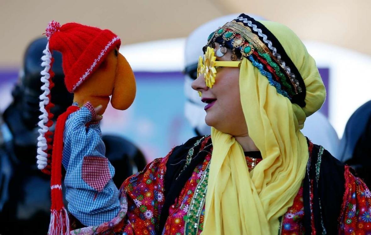 خبرنگاران مهلت ارسال آثار به جشنواره نمایش های عروسکی کرونا 22 فروردین است