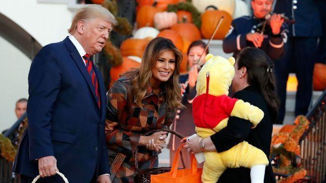 خبرنگاران رکورد بی سابقه کرونا در آمریکا و استقبال ترامپ از برگزاری جشن هالووین
