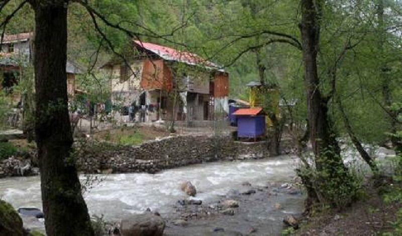 خبرنگاران سودجویان حریم رودخانه های ورزقان را تصرف کرده اند
