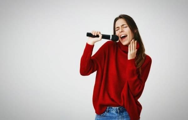وقتی آواز می خوانید در بدن چه اتفاقی می افتد ؟