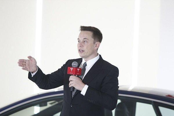ایلان ماسک نقدها از خودروهای تسلا را تایید کرد