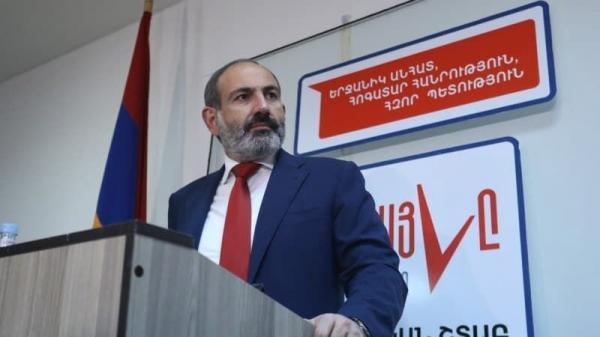 خبرنگاران نخست وزیر ارمنستان: ماه آینده کناره گیری می کنم